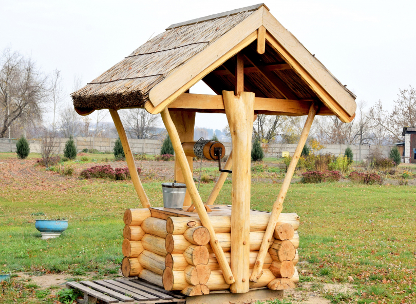 drewniana_studnia_1