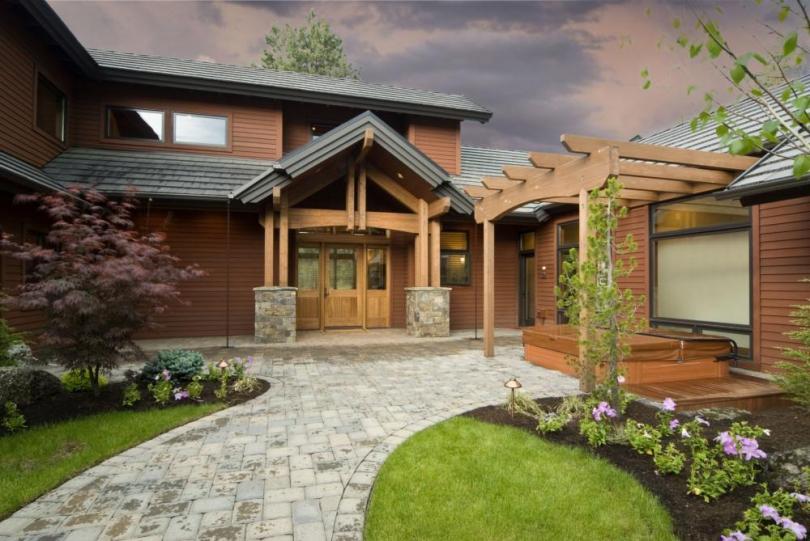 захист деревяних елементів на городі