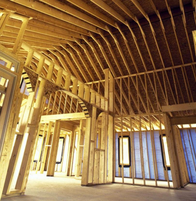 чим захистити деревяний каркас даху