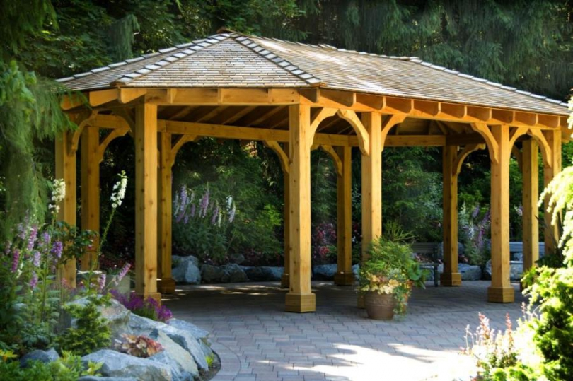 чим захистити дерев'яну альтанку